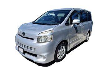 Rent Toyota Voxy Mv002