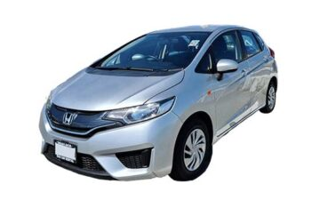 Rent Honda Fit Silver Com003