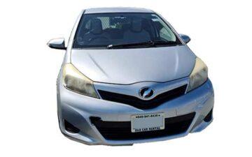 Rent Toyota Vitz Silver Com027