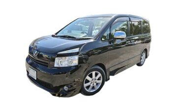 Rent Toyota Voxy Mv006