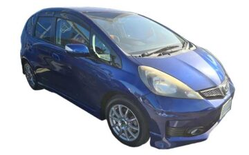 Rent Honda Fit Blue Com019