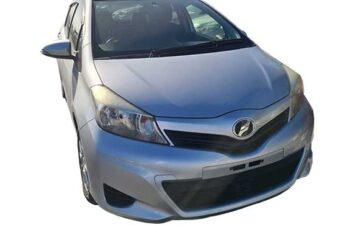 Rent Toyota Vitz Gray Com026