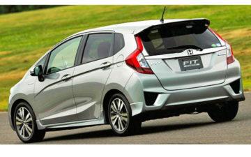 Rent Honda Fit Silver Com030