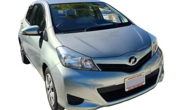Rent Toyota Vitz gray Com035