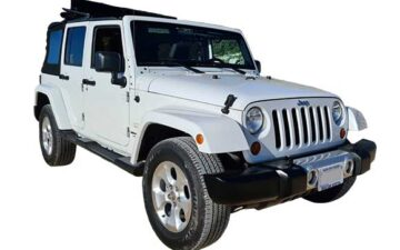 Rent Jeep Wrangler Suv010